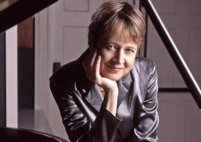 Jane Coop, piano