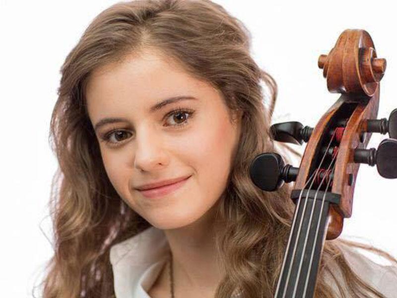 Ine Coetzee of the Three Sisters Cello Trio