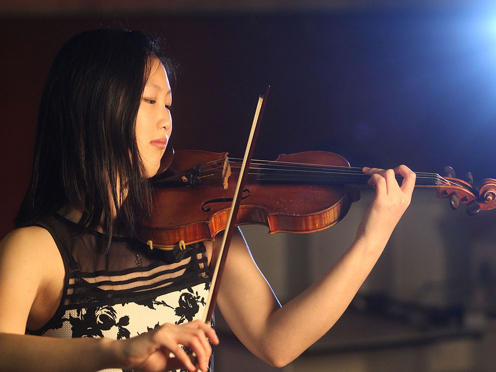 Violinist Angela Ryu is a two-time alumni of our Young Musicians Extraordinaire program.